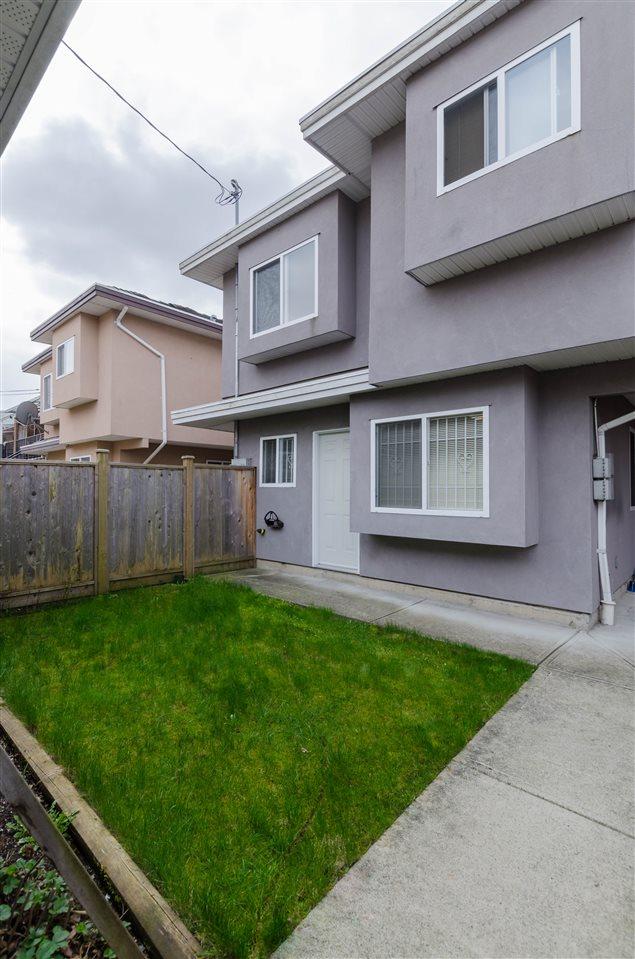 Half-duplex at 6376 BEATRICE STREET, Vancouver East, British Columbia. Image 9