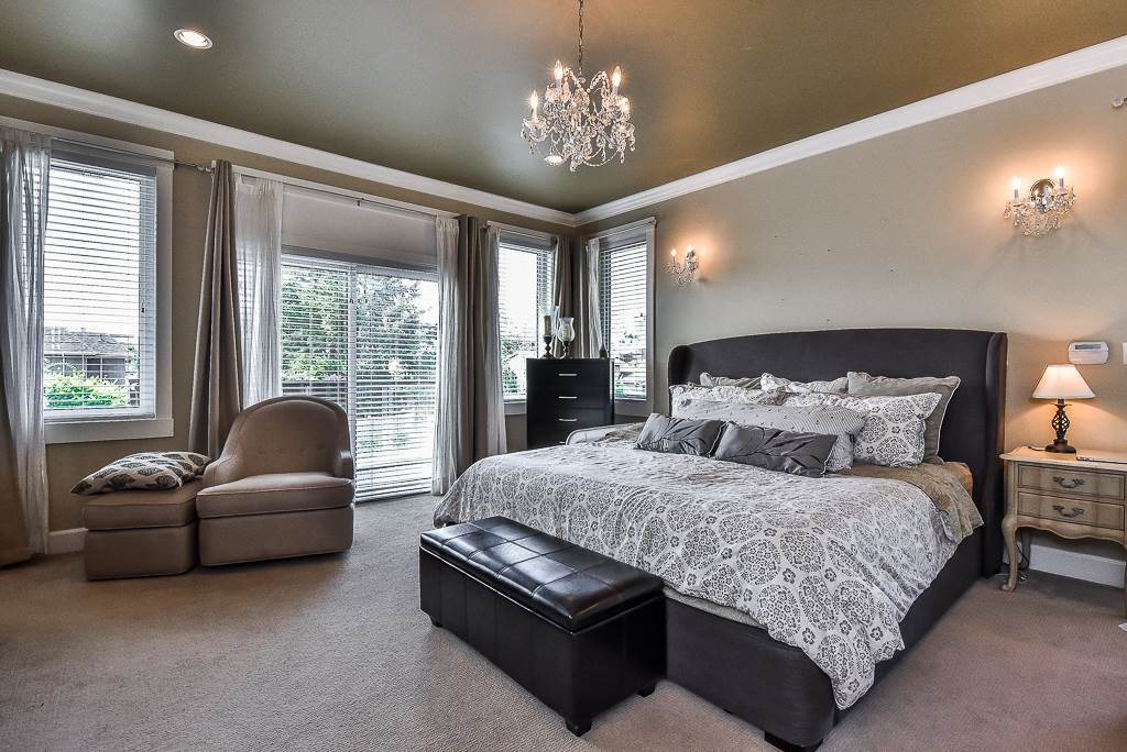 Detached at 15341 ROYAL AVENUE, South Surrey White Rock, British Columbia. Image 14