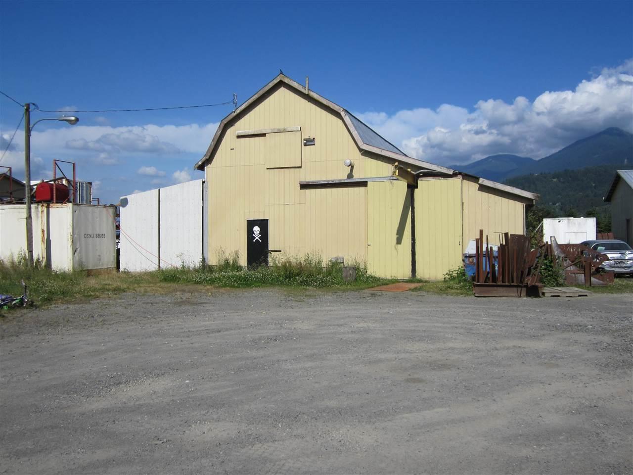 Detached at 6830 PREST ROAD, Chilliwack, British Columbia. Image 11