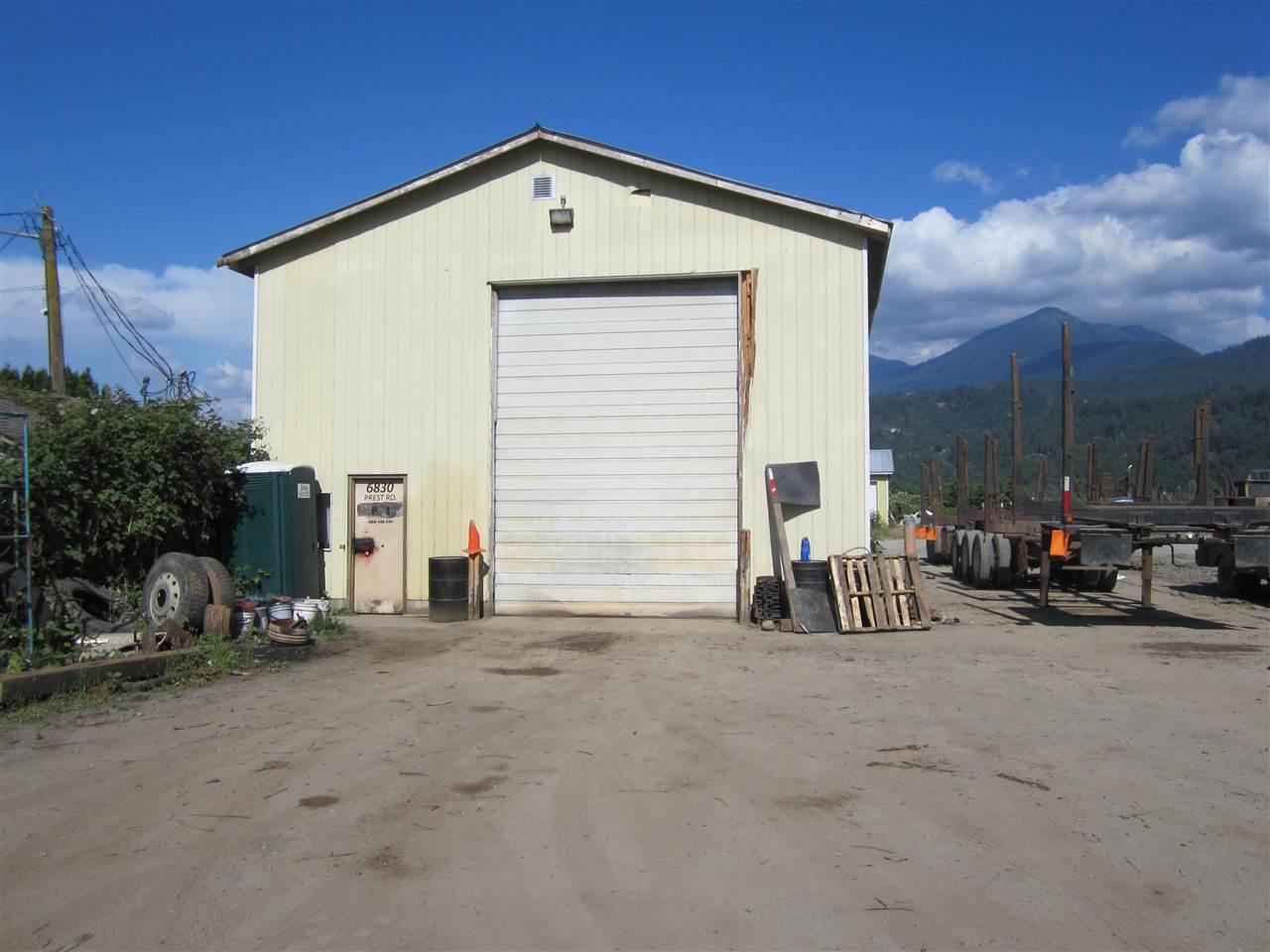 Detached at 6830 PREST ROAD, Chilliwack, British Columbia. Image 12