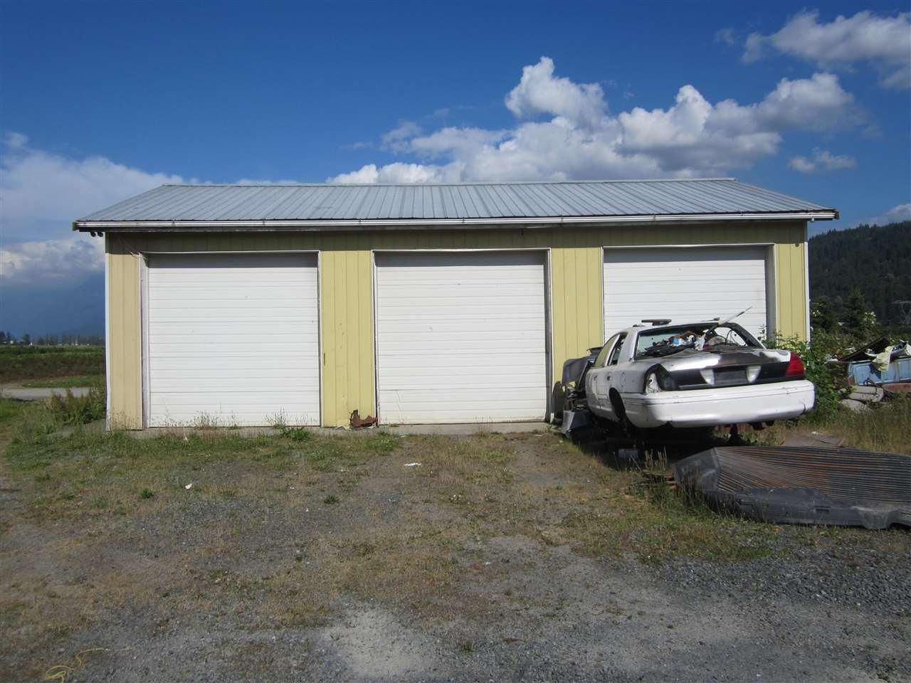 Detached at 6830 PREST ROAD, Chilliwack, British Columbia. Image 13