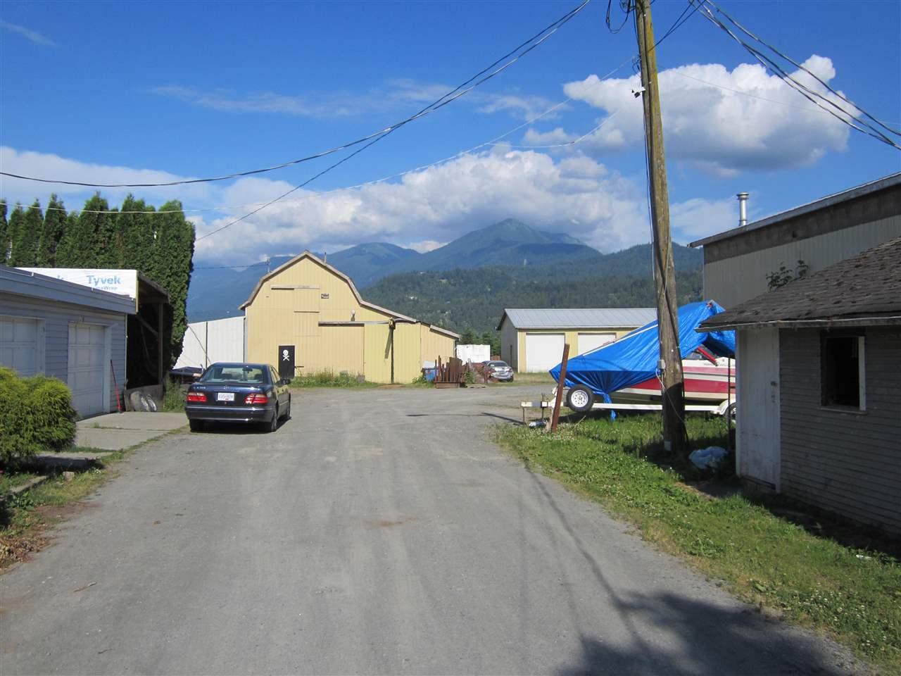 Detached at 6830 PREST ROAD, Chilliwack, British Columbia. Image 14