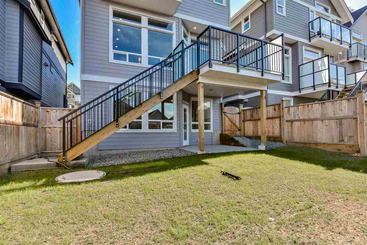 Detached at 15835 29A AVENUE, South Surrey White Rock, British Columbia. Image 17