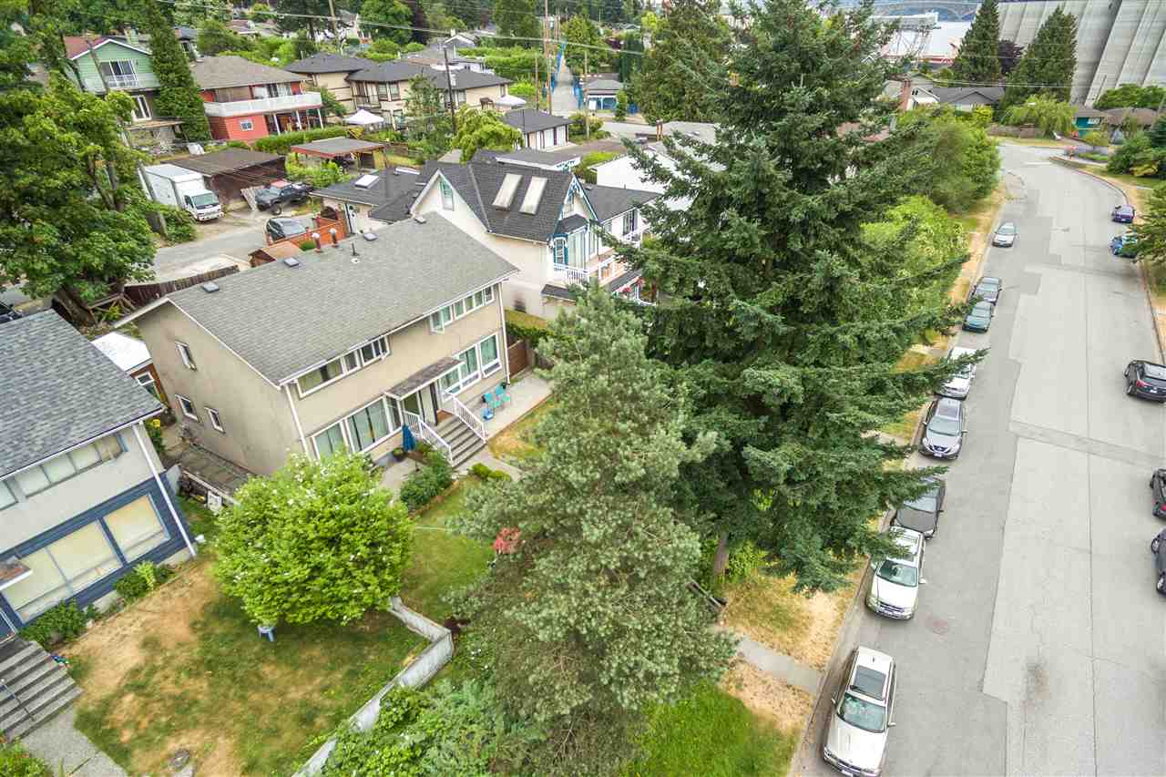 Half-duplex at 456 E 1ST STREET, North Vancouver, British Columbia. Image 6