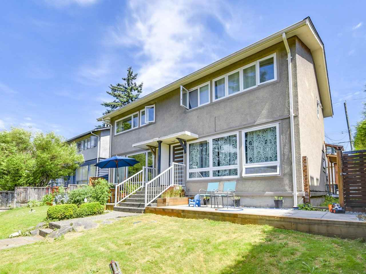 Half-duplex at 456 E 1ST STREET, North Vancouver, British Columbia. Image 7