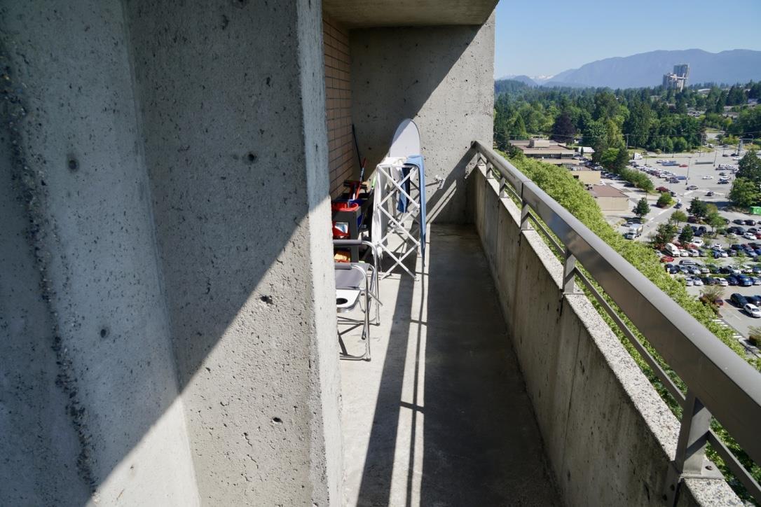 Condo Apartment at 1705 3755 BARTLETT COURT, Unit 1705, Burnaby North, British Columbia. Image 12