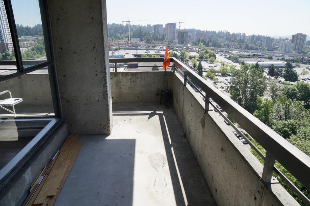 Condo Apartment at 1705 3755 BARTLETT COURT, Unit 1705, Burnaby North, British Columbia. Image 13