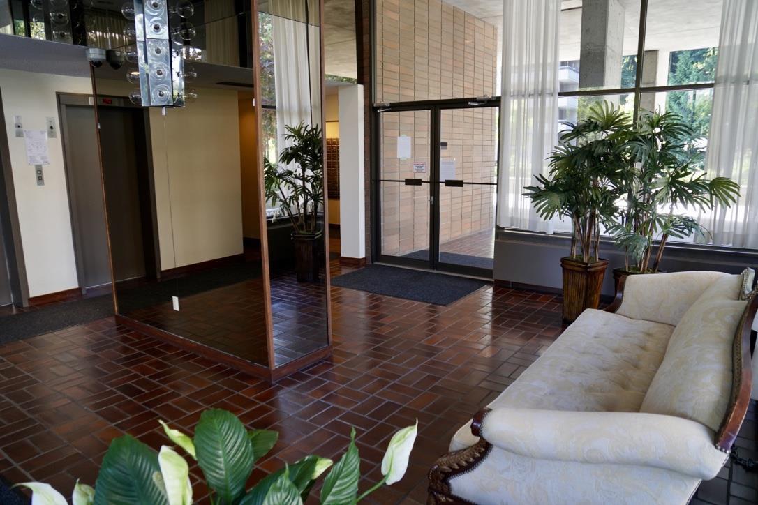Condo Apartment at 1705 3755 BARTLETT COURT, Unit 1705, Burnaby North, British Columbia. Image 18