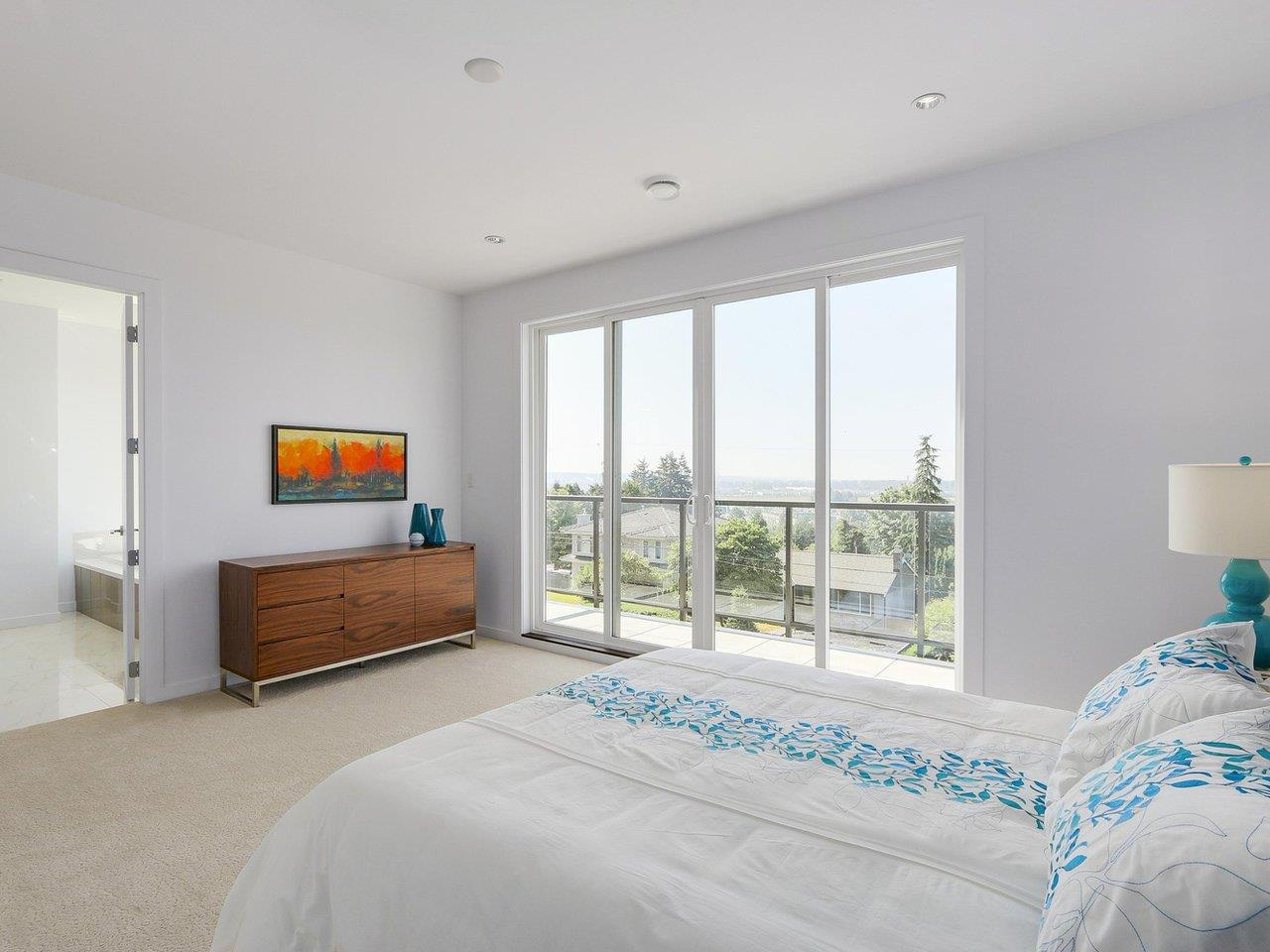 Detached at 5349 PATRICK STREET, Burnaby South, British Columbia. Image 12