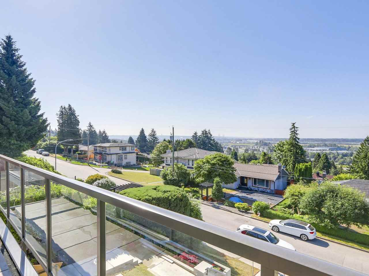Detached at 5349 PATRICK STREET, Burnaby South, British Columbia. Image 14