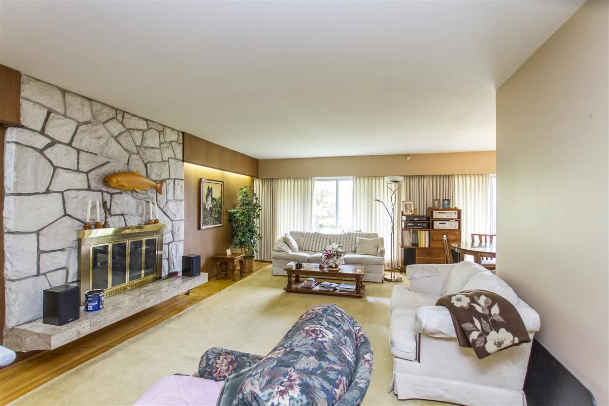 Detached at 1701 HAMMOND AVENUE, Coquitlam, British Columbia. Image 3