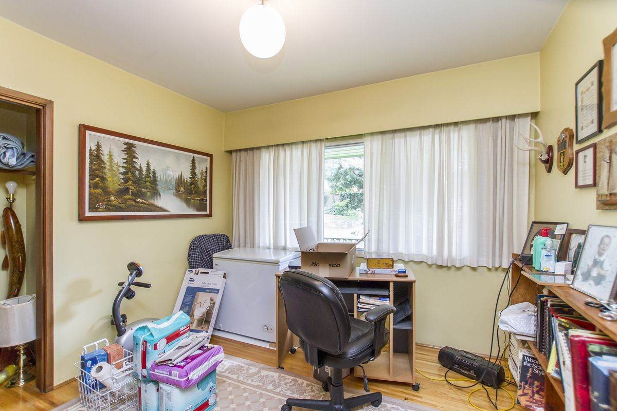 Detached at 1701 HAMMOND AVENUE, Coquitlam, British Columbia. Image 15