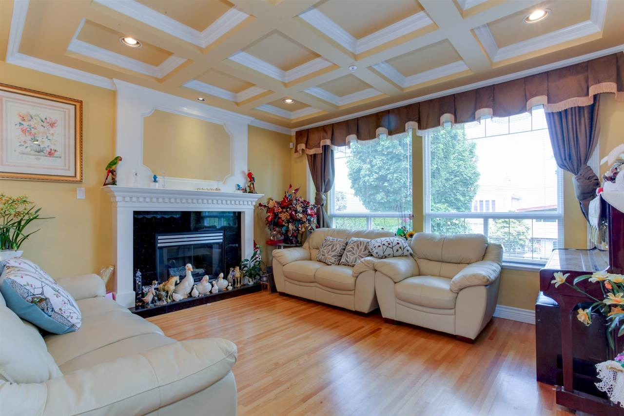 Detached at 2828 E 24TH AVENUE, Vancouver East, British Columbia. Image 3