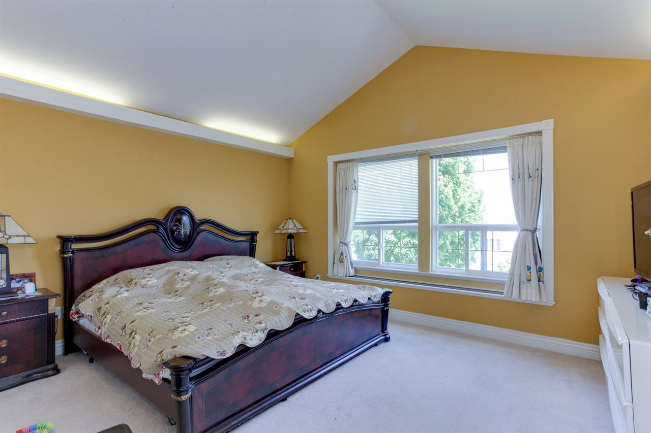 Detached at 2828 E 24TH AVENUE, Vancouver East, British Columbia. Image 12