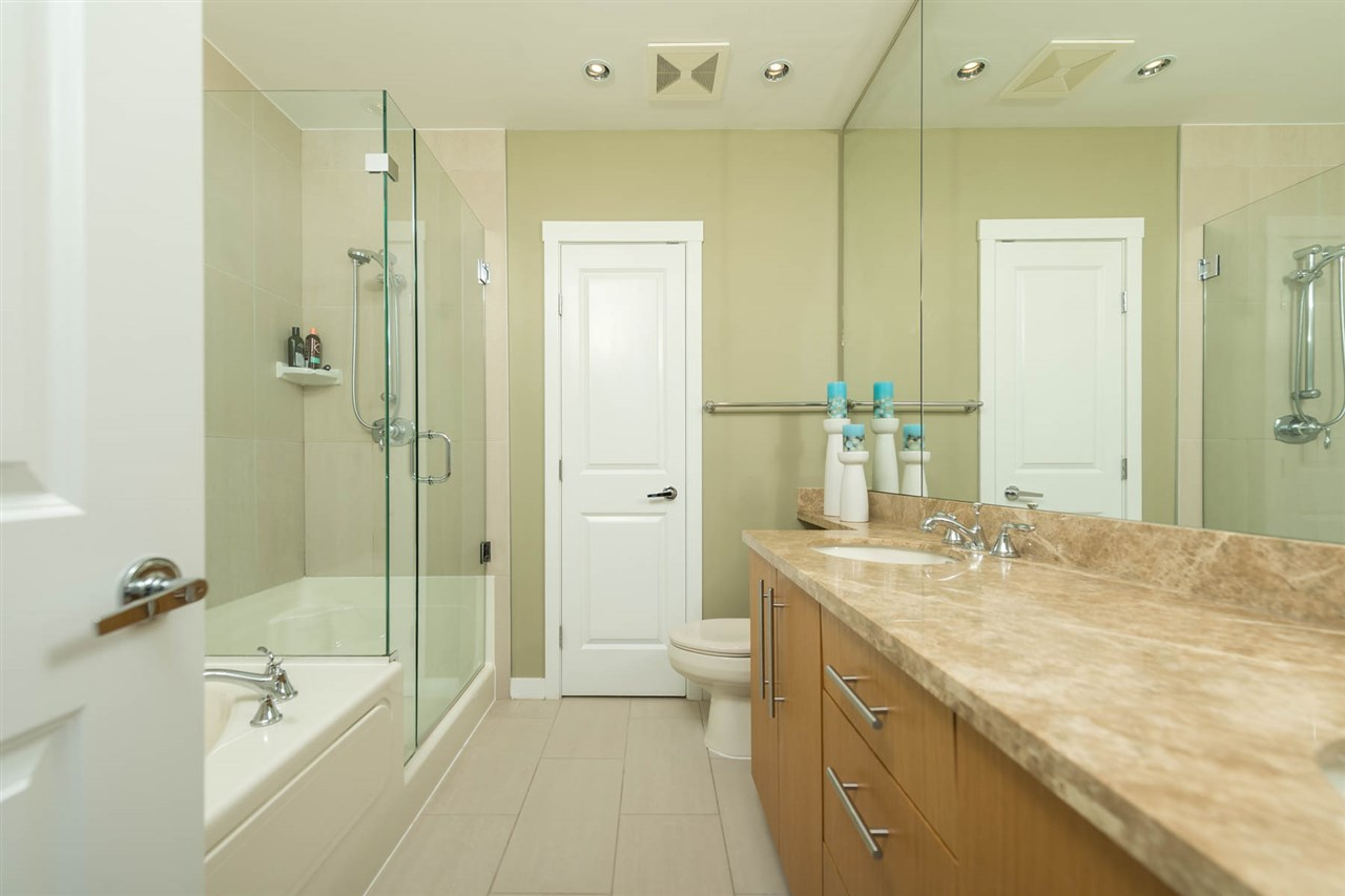Condo Apartment at 1801 2688 WEST MALL, Unit 1801, Vancouver West, British Columbia. Image 7
