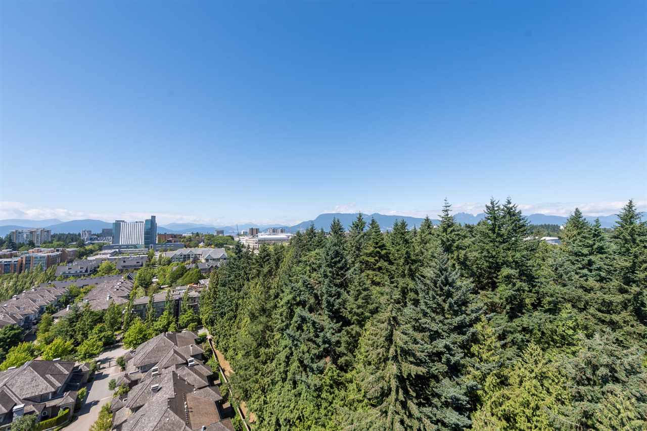 Condo Apartment at 1801 2688 WEST MALL, Unit 1801, Vancouver West, British Columbia. Image 14
