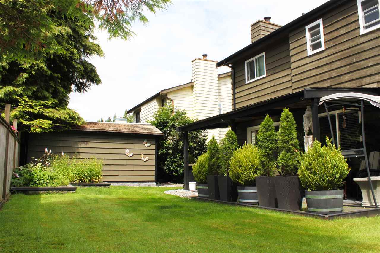 Detached at 1036 LOMBARDY DRIVE, Port Coquitlam, British Columbia. Image 3