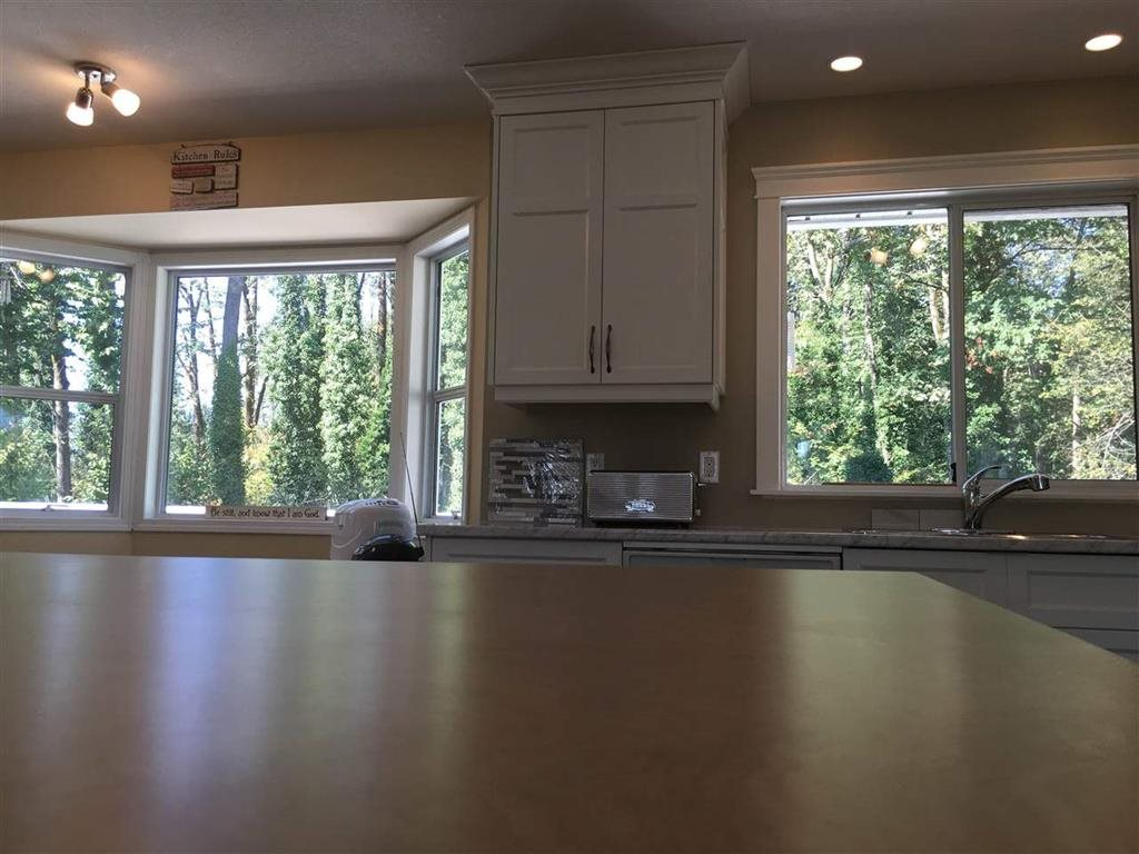 Detached at 9900 GOODALL PLACE, Chilliwack, British Columbia. Image 6