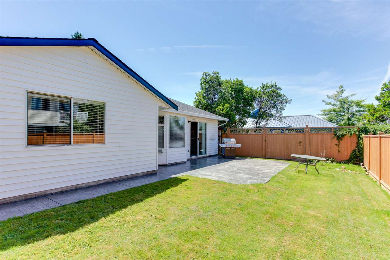Detached at 5915 49 AVENUE, Ladner, British Columbia. Image 18