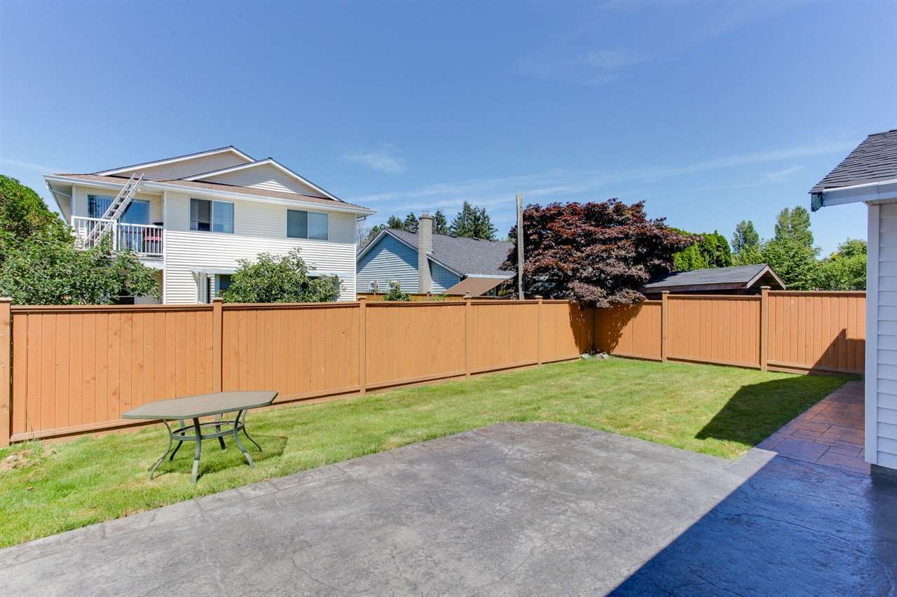 Detached at 5915 49 AVENUE, Ladner, British Columbia. Image 19