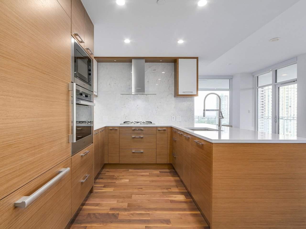 Condo Apartment at 1202 4360 BERESFORD STREET, Unit 1202, Burnaby South, British Columbia. Image 5