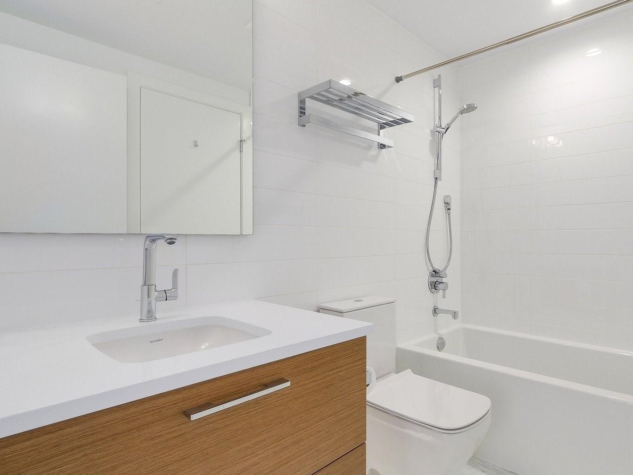 Condo Apartment at 1202 4360 BERESFORD STREET, Unit 1202, Burnaby South, British Columbia. Image 12
