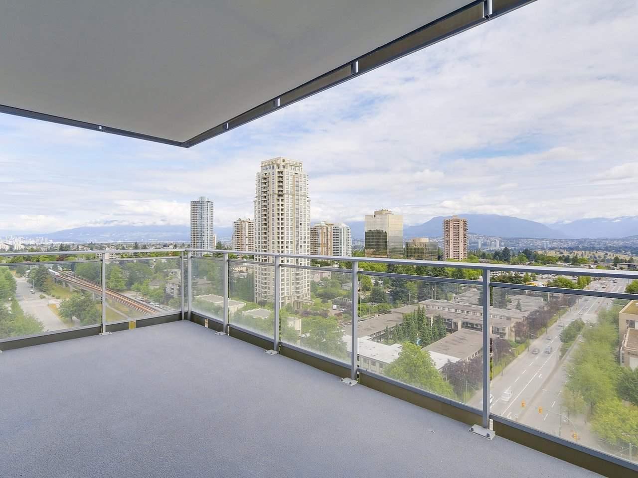 Condo Apartment at 1202 4360 BERESFORD STREET, Unit 1202, Burnaby South, British Columbia. Image 13