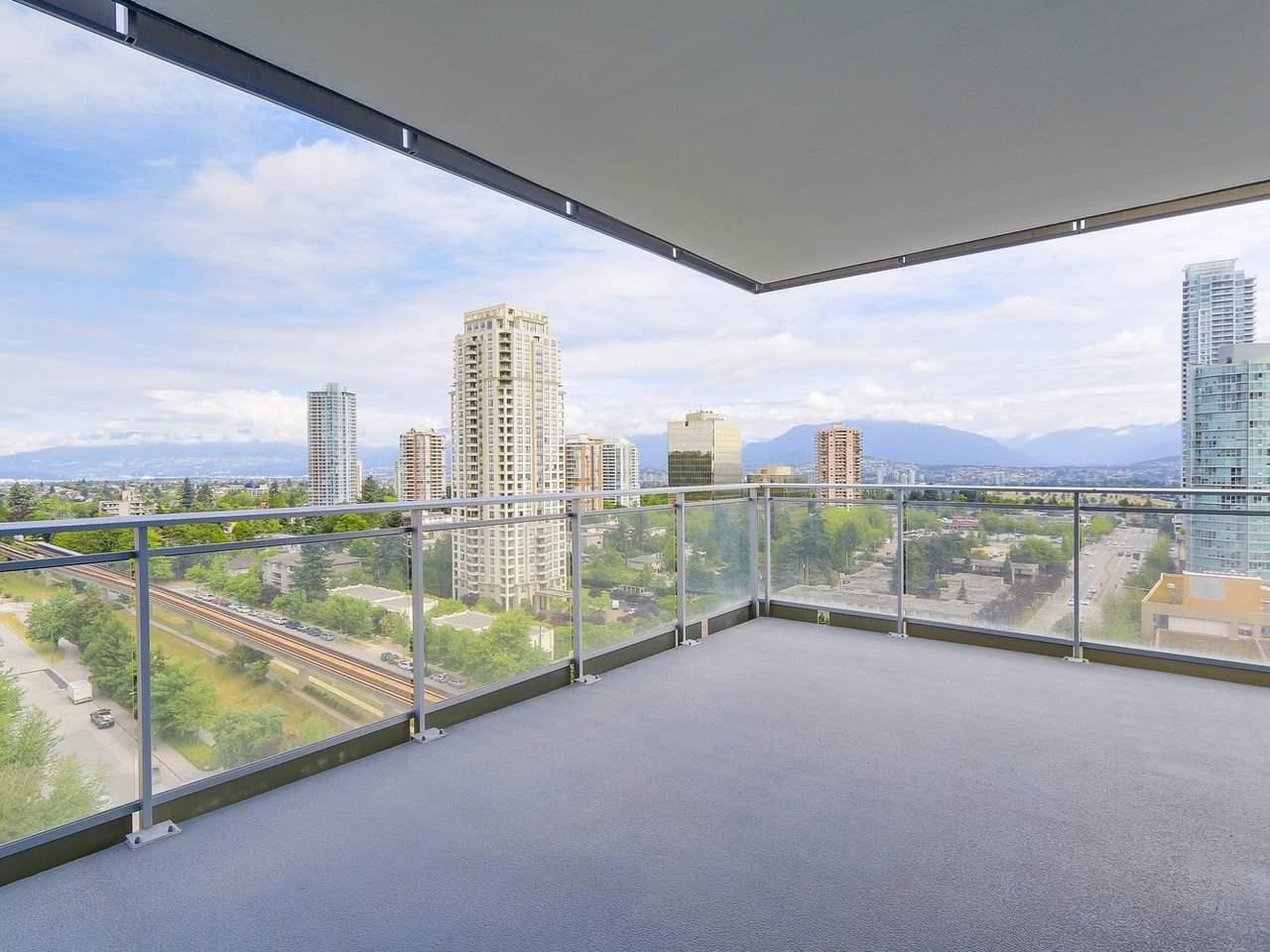 Condo Apartment at 1202 4360 BERESFORD STREET, Unit 1202, Burnaby South, British Columbia. Image 14