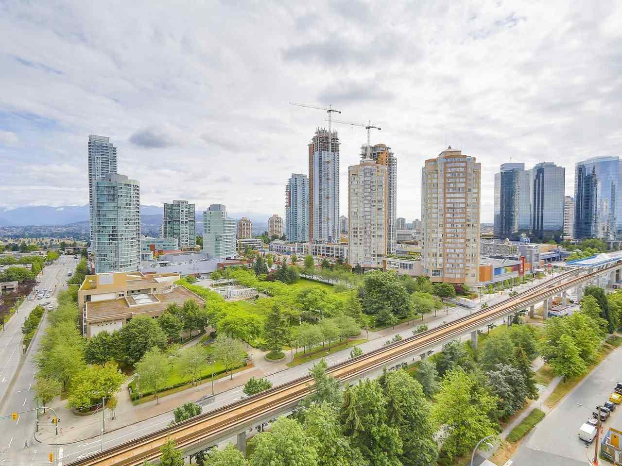Condo Apartment at 1202 4360 BERESFORD STREET, Unit 1202, Burnaby South, British Columbia. Image 16