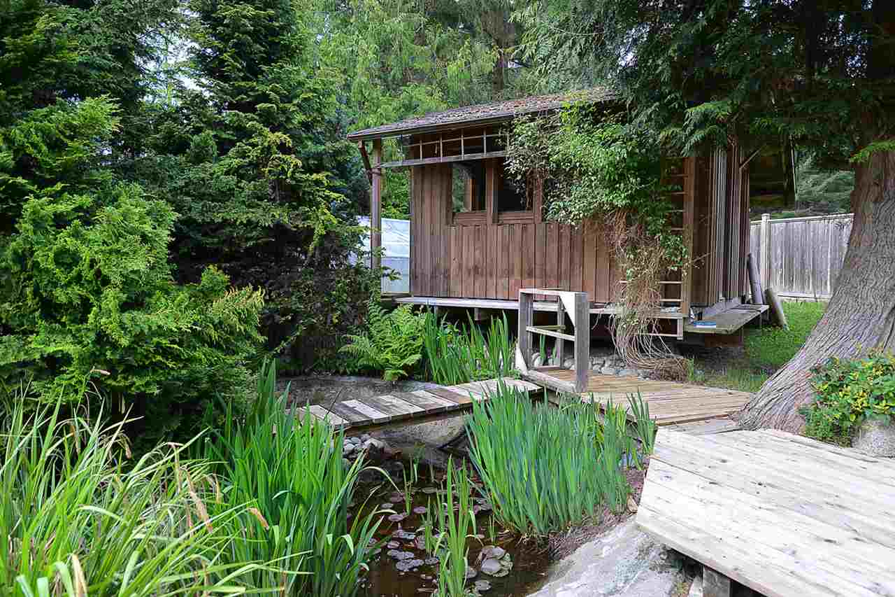 Detached at 277 LARK ROAD, Sunshine Coast, British Columbia. Image 19