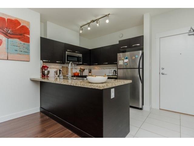 Condo Apartment at 105 33539 HOLLAND AVENUE, Unit 105, Abbotsford, British Columbia. Image 1
