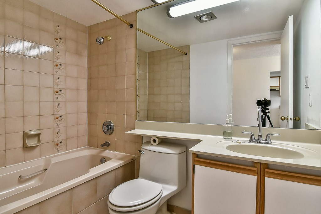 Condo Apartment at 1805 6070 MCMURRAY AVENUE, Unit 1805, Burnaby South, British Columbia. Image 5