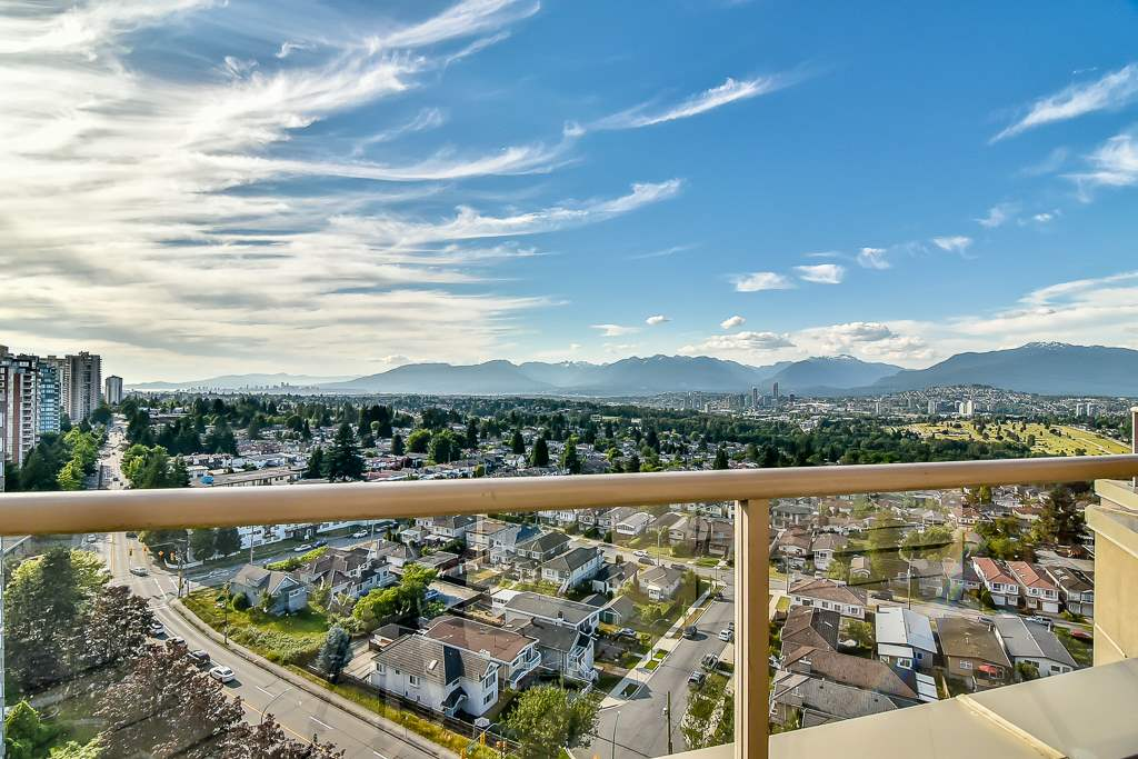 Condo Apartment at 1805 6070 MCMURRAY AVENUE, Unit 1805, Burnaby South, British Columbia. Image 6