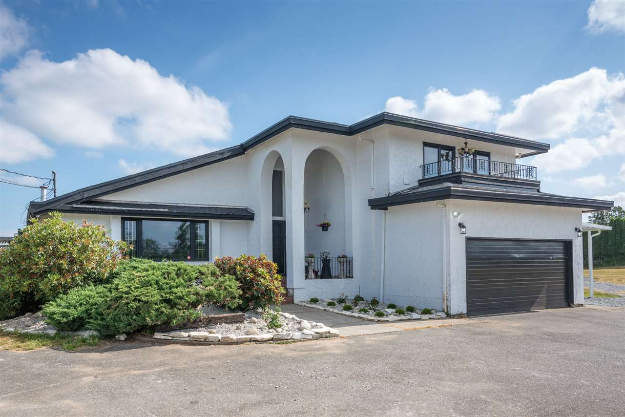Detached at 25875 48 AVENUE, Langley, British Columbia. Image 3
