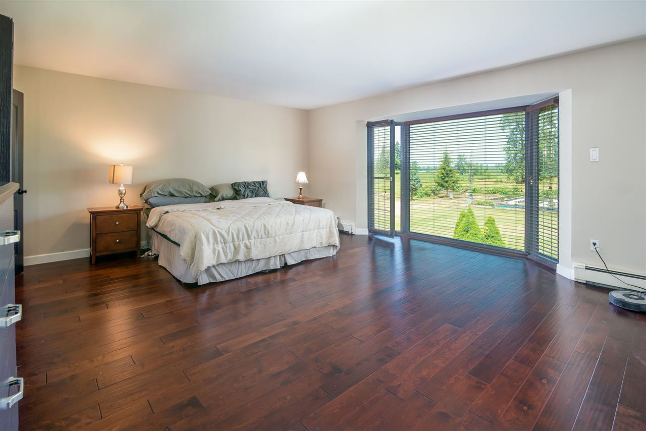 Detached at 25875 48 AVENUE, Langley, British Columbia. Image 17