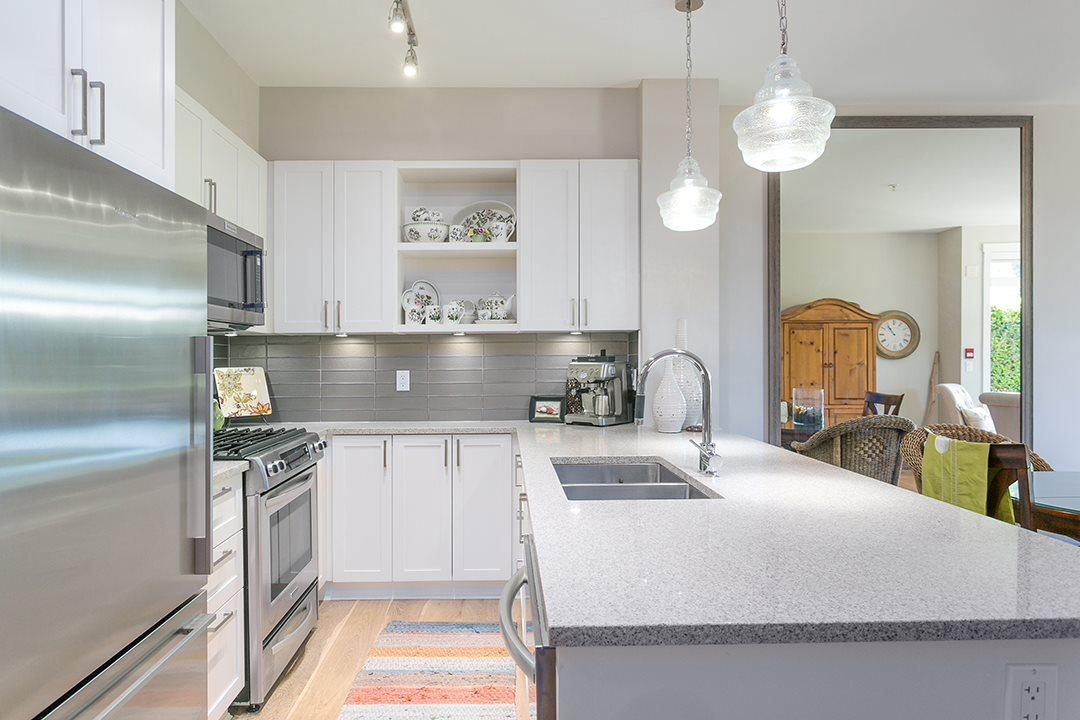 Condo Apartment at 108 1333 WINTER STREET, Unit 108, South Surrey White Rock, British Columbia. Image 4