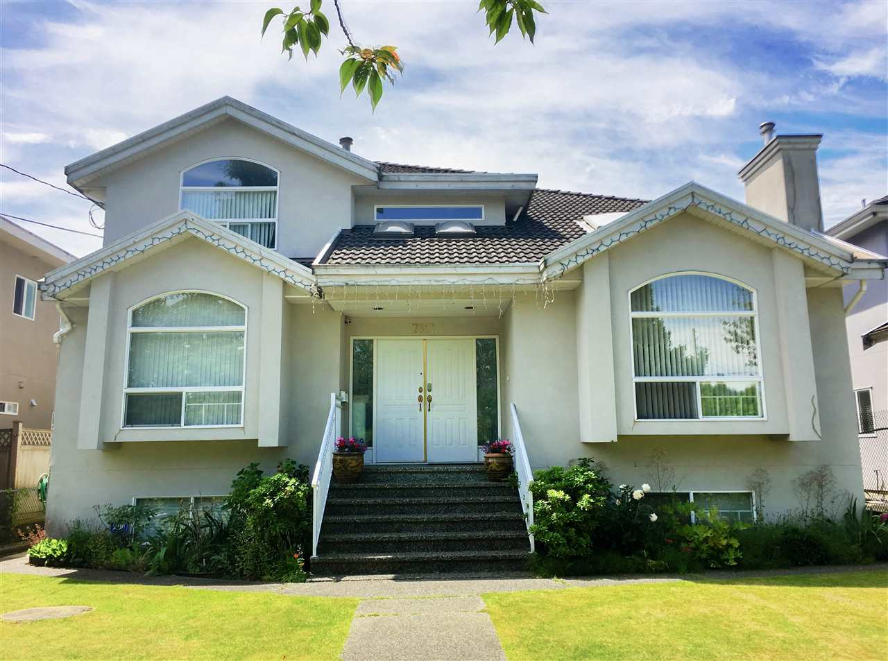 Detached at 7617 1ST STREET, Burnaby East, British Columbia. Image 1