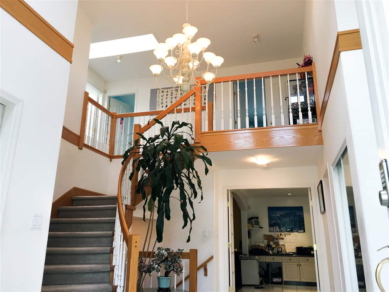 Detached at 7617 1ST STREET, Burnaby East, British Columbia. Image 10