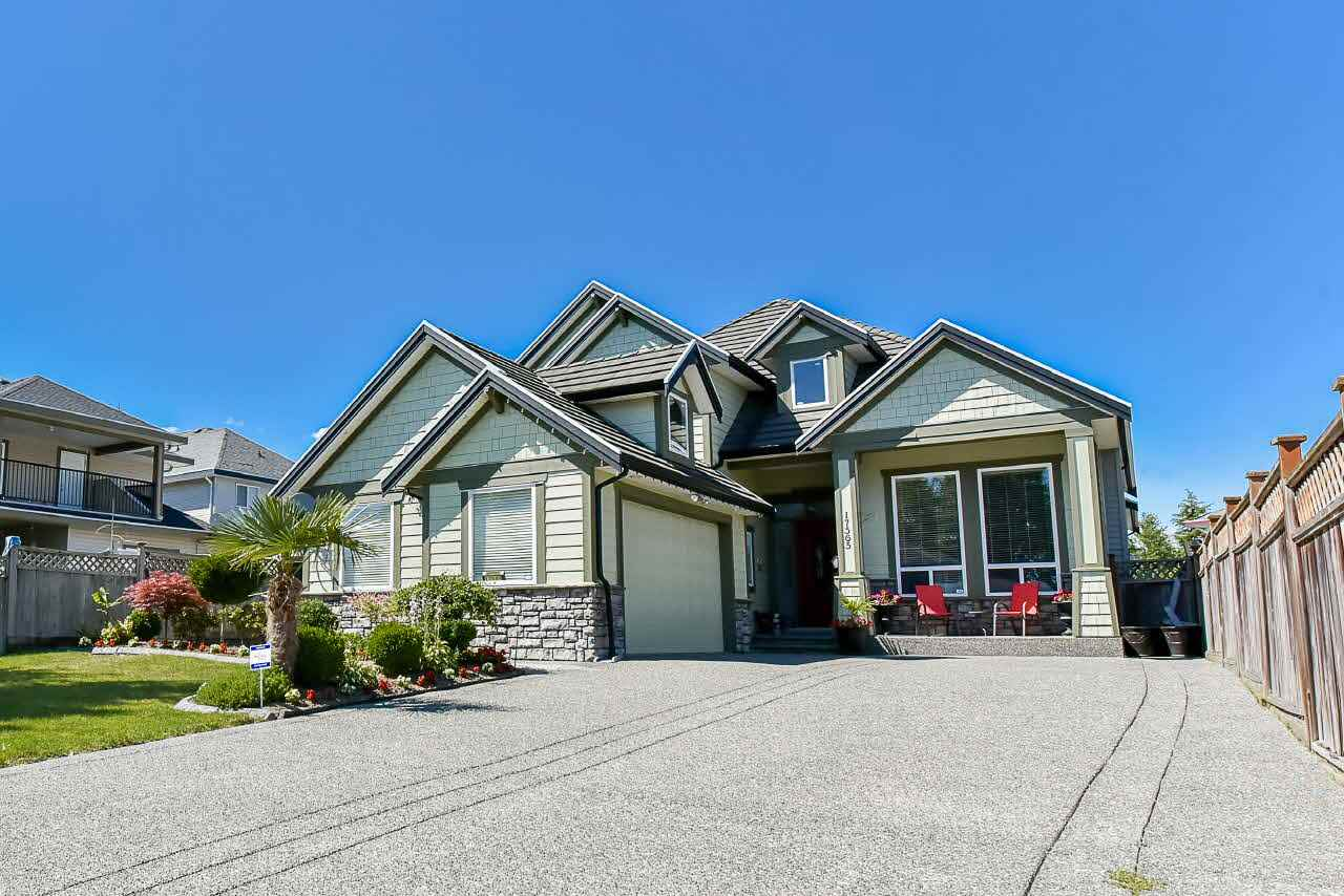 Detached at 17565 62 AVENUE, Cloverdale, British Columbia. Image 1