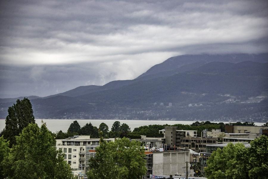 Condo Apartment at 707 2288 PINE STREET, Unit 707, Vancouver West, British Columbia. Image 2