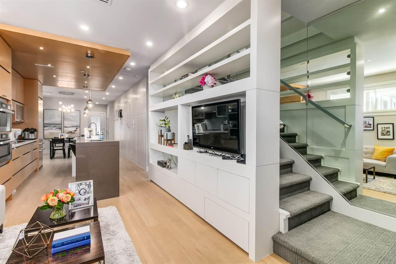 Half-duplex at 2150 W 3RD AVENUE, Vancouver West, British Columbia. Image 4