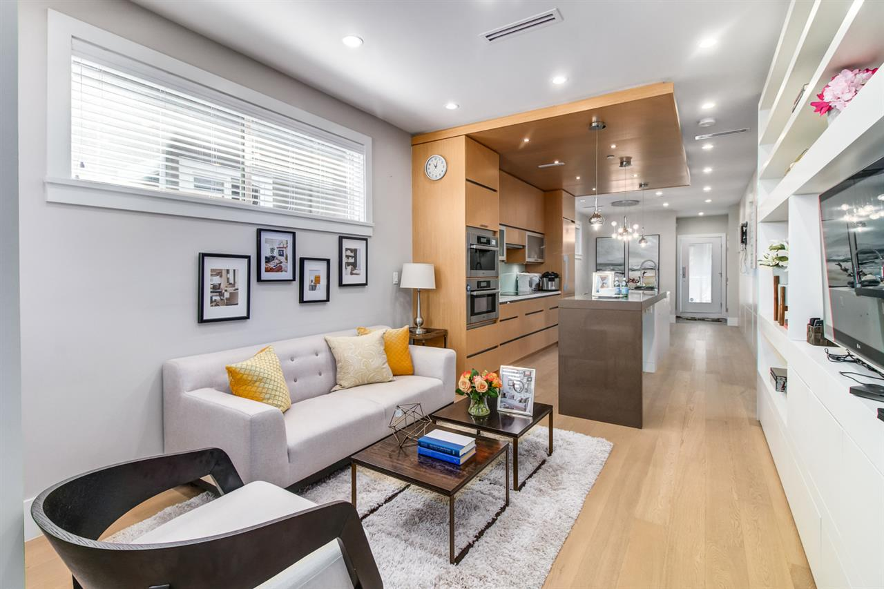 Half-duplex at 2150 W 3RD AVENUE, Vancouver West, British Columbia. Image 5