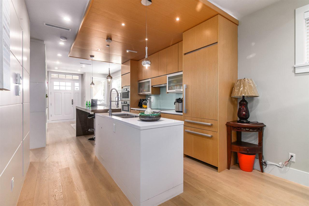 Half-duplex at 2150 W 3RD AVENUE, Vancouver West, British Columbia. Image 10