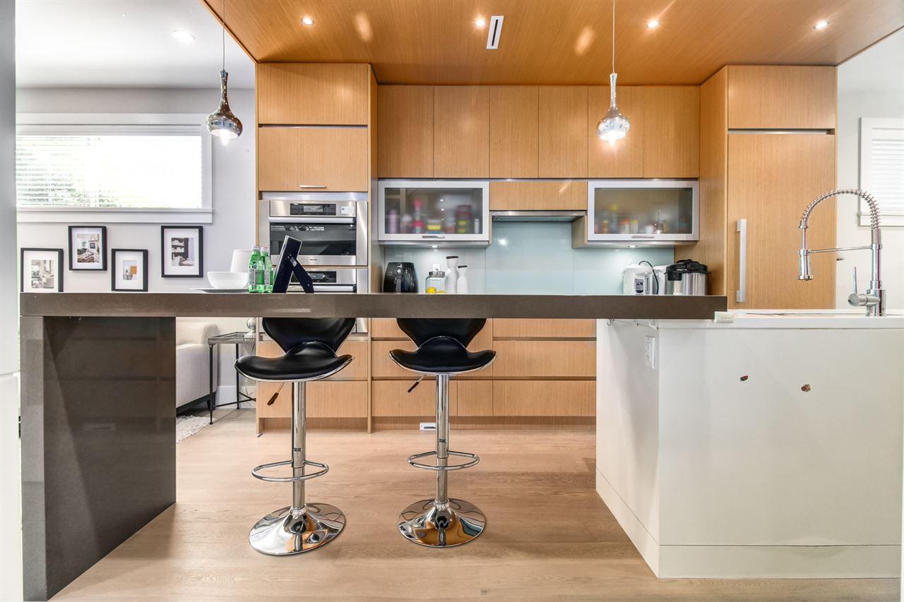 Half-duplex at 2150 W 3RD AVENUE, Vancouver West, British Columbia. Image 12