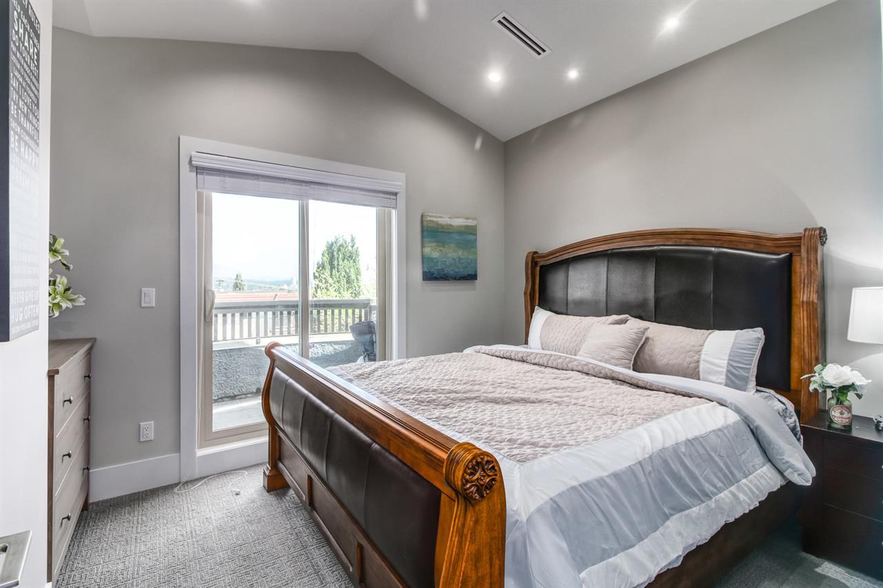 Half-duplex at 2150 W 3RD AVENUE, Vancouver West, British Columbia. Image 14