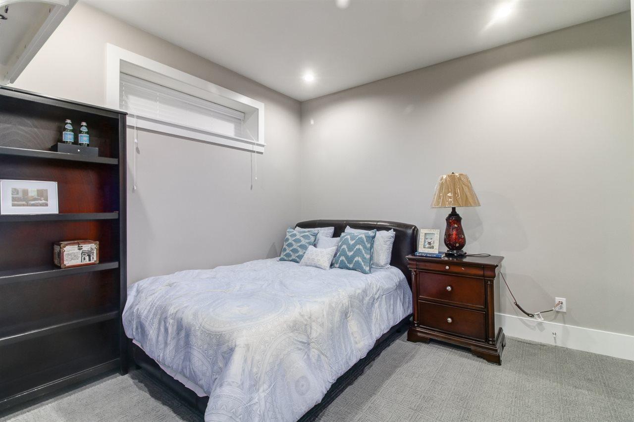 Half-duplex at 2150 W 3RD AVENUE, Vancouver West, British Columbia. Image 17