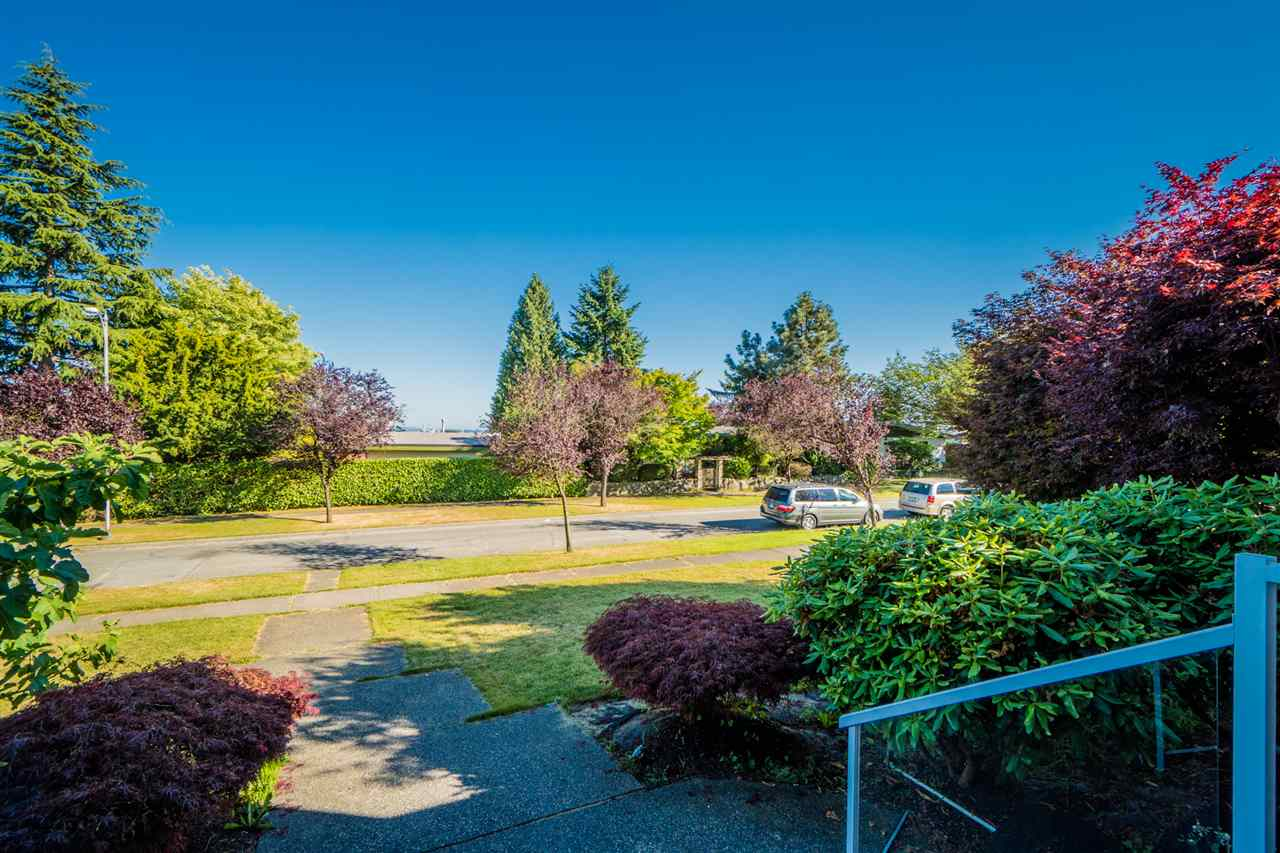 Detached at 2387 BONACCORD DRIVE, Vancouver East, British Columbia. Image 2