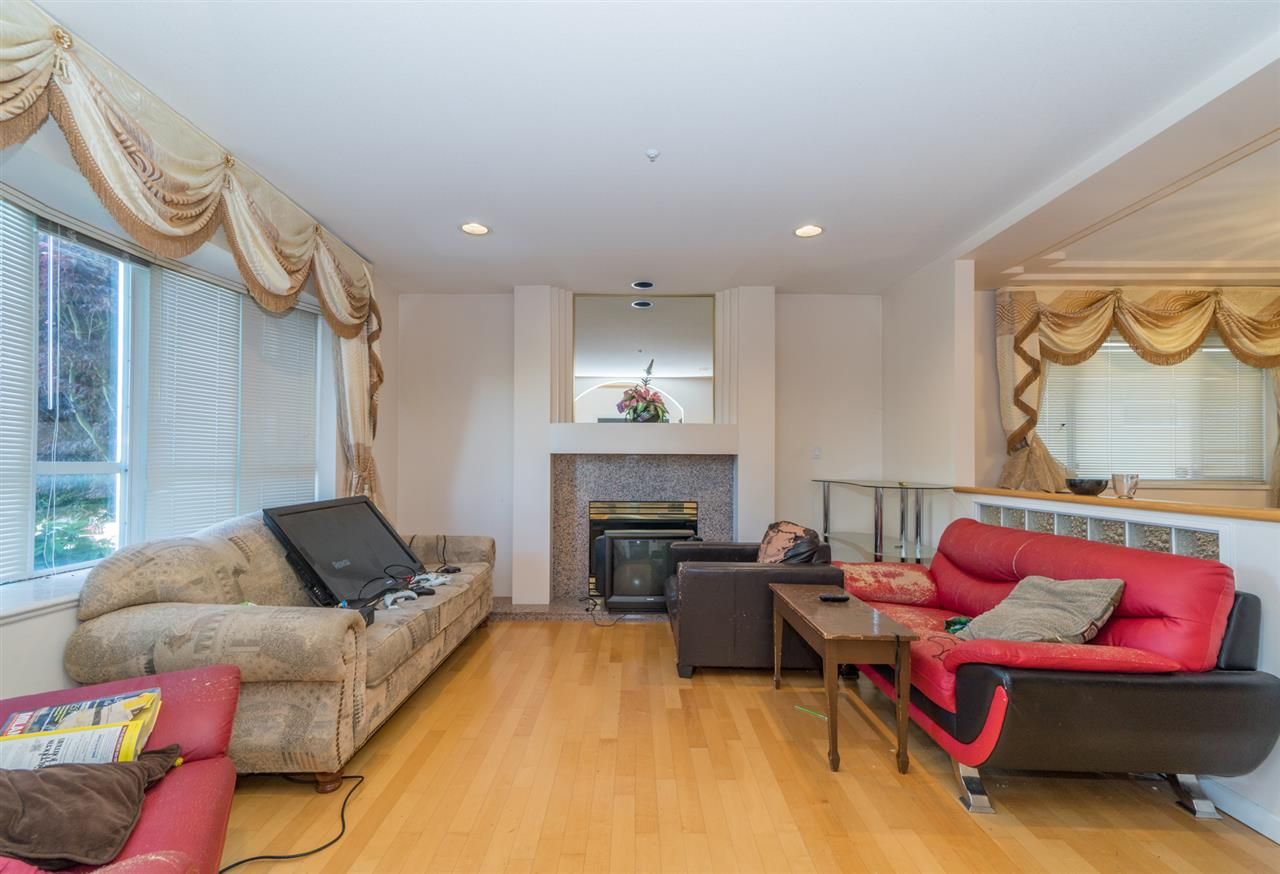Detached at 2387 BONACCORD DRIVE, Vancouver East, British Columbia. Image 5
