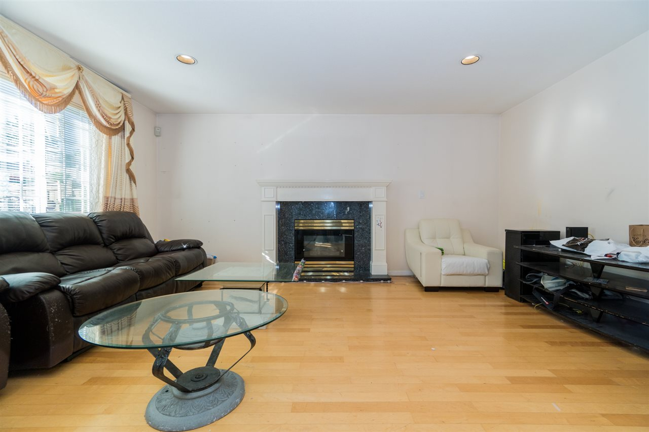 Detached at 2387 BONACCORD DRIVE, Vancouver East, British Columbia. Image 8