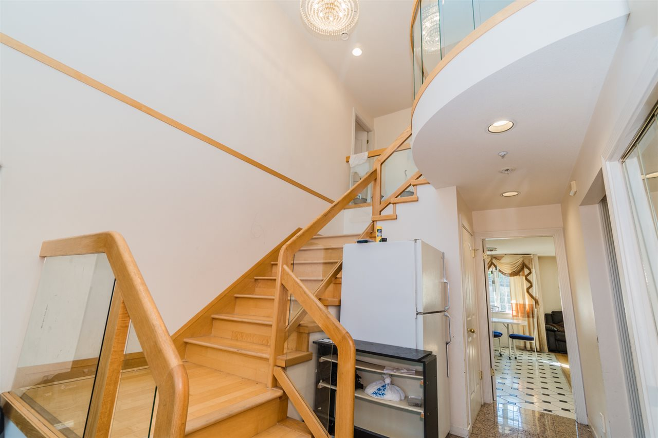 Detached at 2387 BONACCORD DRIVE, Vancouver East, British Columbia. Image 11